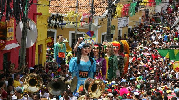 carnaval-olinda-bonecos-gigantes-04-20110308-size-620