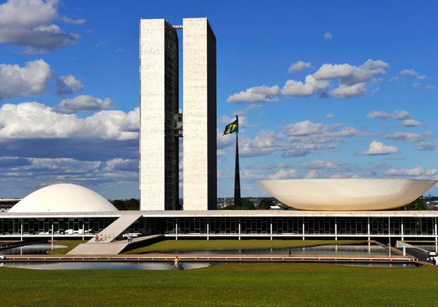 oscar-niemeyer-praca-dos-tres-poderes-brasilia