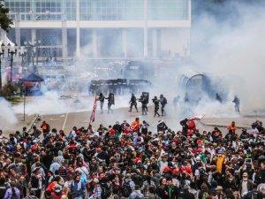 alx_protesto-professores-curitiba-confronto-policia-20150429-0004_original