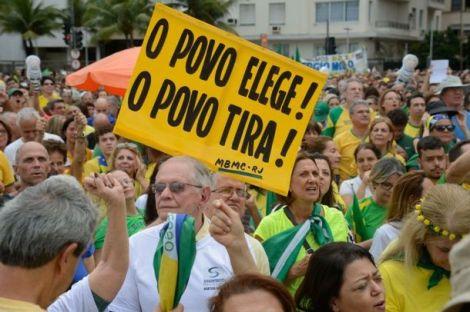 Política corrupta que assombra e envergonha osBrasileiros