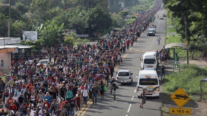 Marcha de hondurenhos romo EUA